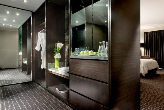 The Hazelton Hotel: Closet Space