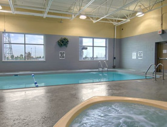Super 8 mississauga updated 2018 hotel reviews price for Pool show mississauga