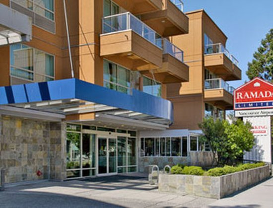 Ramada Limited Vancouver Airport: Exterior