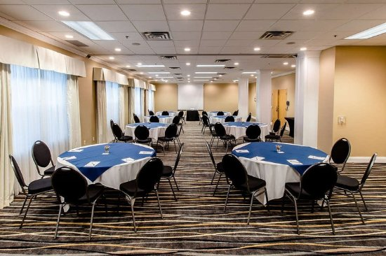 Cambridge Hotel And Conference Centre Reviews