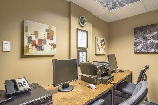 Quality Inn West Edmonton: Business center