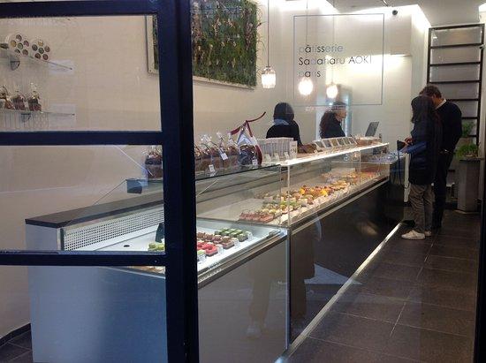 patisserie sadaharu aoki: Interior of store