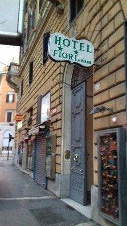 Hotel Dei Fiori Roma.Img 20171229 Wa0006 Large Jpg Foto Di Hotel Fiori Roma