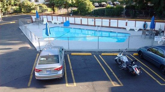 Travelodge by Wyndham Eugene Downtown/University of Oregon : Espace piscine au 16 août 2017