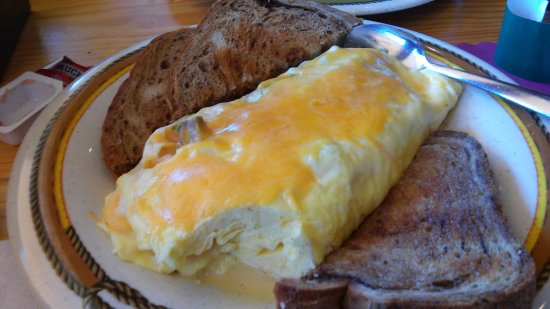 Danbury, WI: huge omelette with toast