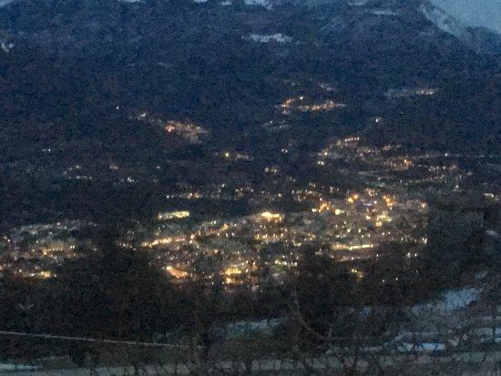 Villa Lagarina, Italië: Panorama dal paese di Castellano