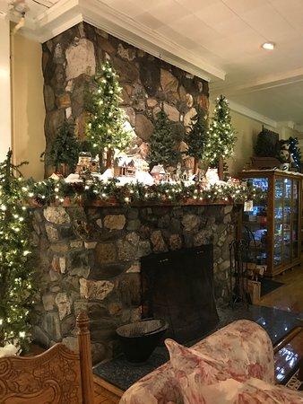 Chester, VT: fireplace at Fullerton Inn