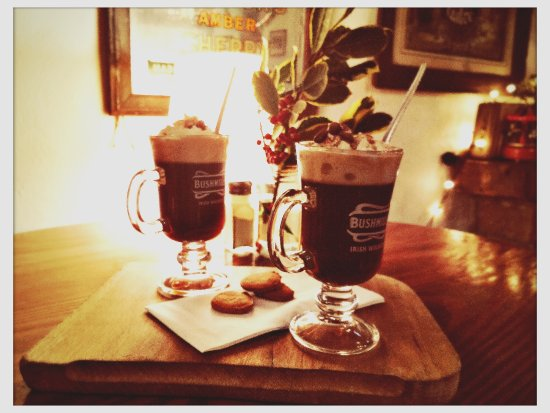 Oughterard, Irlande : Irish Coffee in Powers