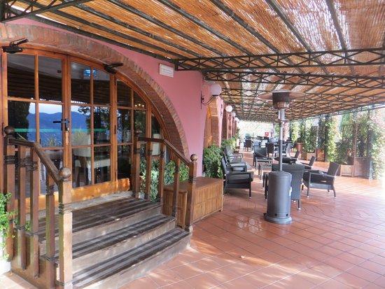 Renaissance Tuscany Il Ciocco Resort & Spa: Hotel terrace