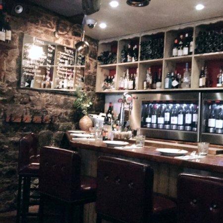 Bocata restaurant bar a vin montreal resmi for 388 new american cuisine