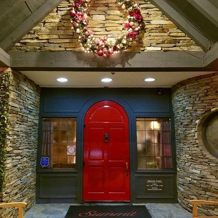 Summit House Restaurant, Fullerton - TripAdvisor
