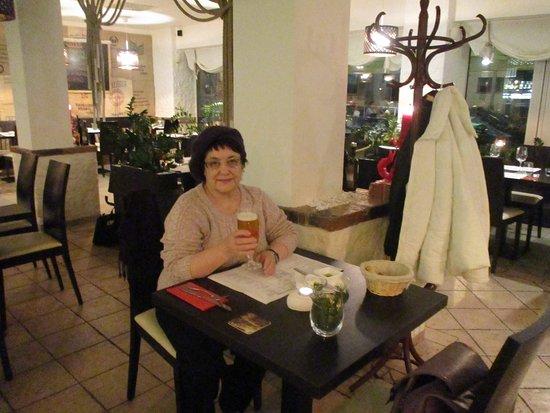 Mio Gusto: Только приехала в Прагу, искала, где бы поужинать... Зашла в этот ресторан и не пожалела!