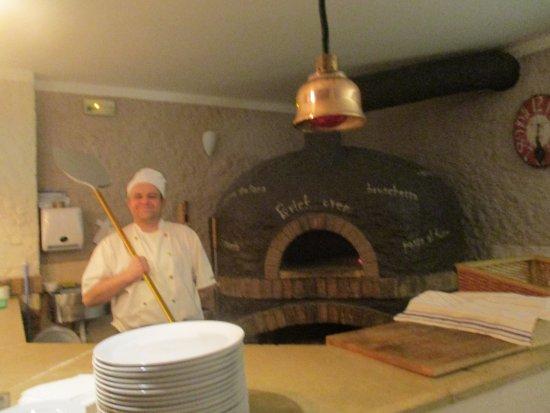 Mio Gusto: Пиццерист-виртуоз из этого ресторана
