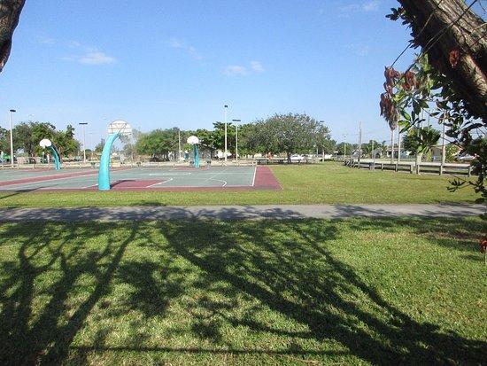 Miami Gardens, FL: Miami Carol City Park