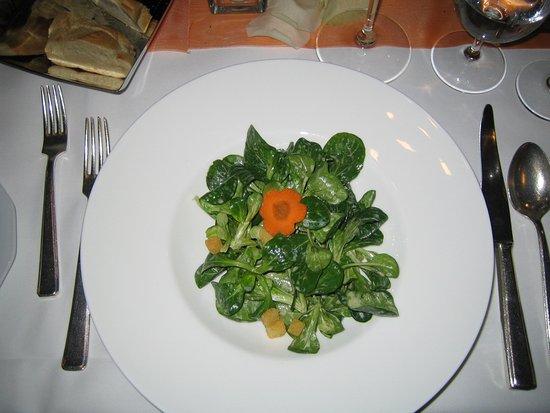 Steinenbronn, Allemagne : Feldsalat mit Croutons