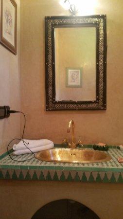 Riad Dubai: tres belles salle de bain