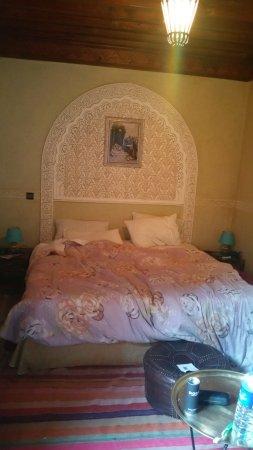 Riad Dubai: tres belle chambre bonne literie