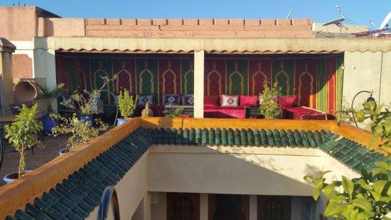 Riad Dubai: terasse tres agreable et belle vue sns vis vis