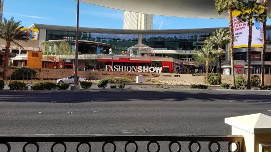 Fashion Show Mall: The mall