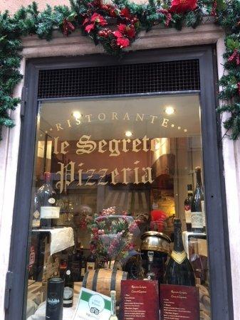 Le Segrete : Côté rue