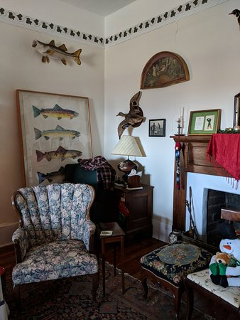Stovall House : Living room