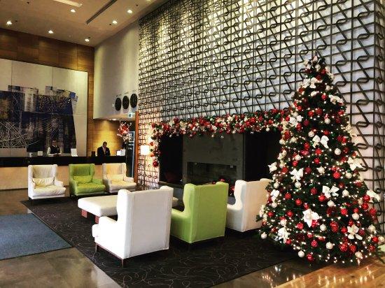 DoubleTree by Hilton Hotel Zagreb: lobby