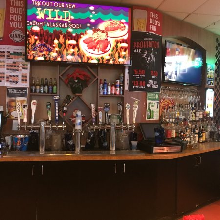 Rocklin, Kalifornia: Full bar with 5 different IPAs