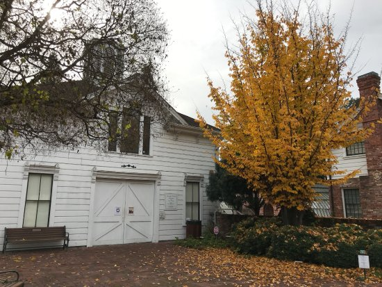 Luther Burbank Home and Gardens: Carriage house