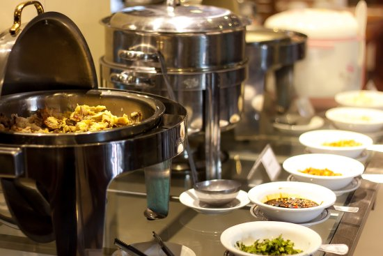 Champlung Mas Hotel: Buffet Breakfast
