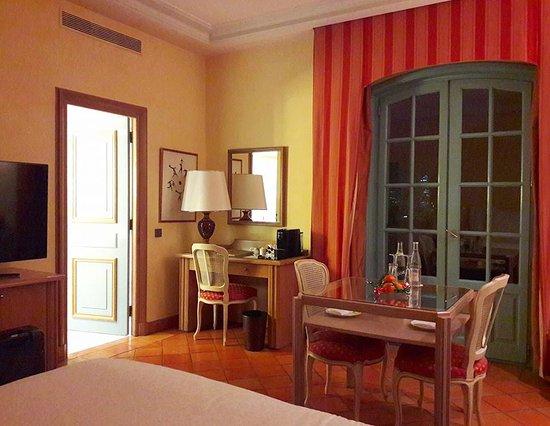 villa florentine hotel lyon voir les tarifs 405 avis et 494 photos. Black Bedroom Furniture Sets. Home Design Ideas