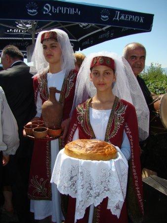 Armavir, Αρμενία: Праздник в честь 90 летия  Сардарапа́тской битвы.