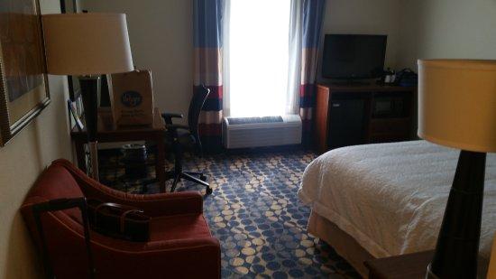 Hampton Inn & Suites Durham North I-85: Our Room