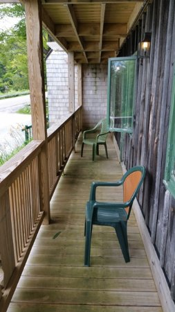 Bolton Valley, VT: Most rooms have a balcony - one has a patio.