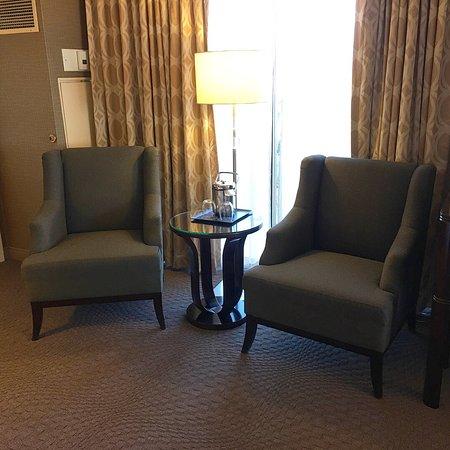 쉐라톤 크레슨트 호텔 사진