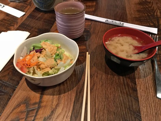Wadsworth, OH: standard starter - salad and miso soup