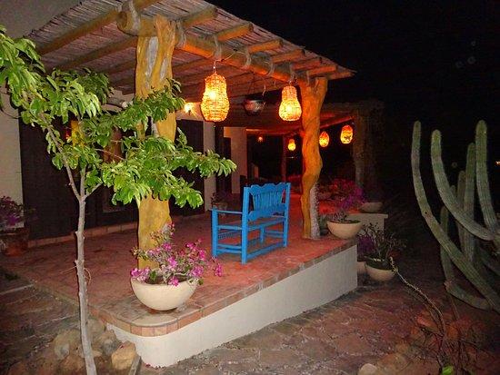 CalyCanto Casitas: Casita Sol at night