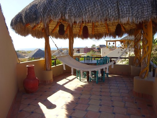 CalyCanto Casitas: Whale watching deck (Casita Tortuga)