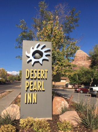 Desert Pearl Inn Photo