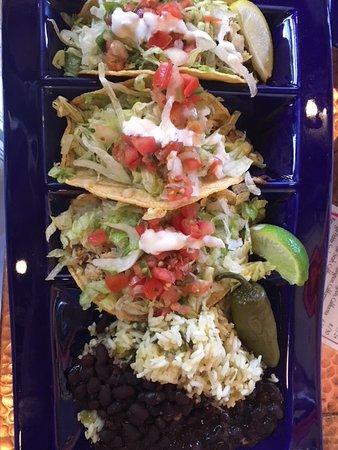 Oscar's Cafe: Fish Tacos