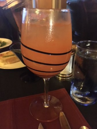 Echo Canyon Spa Resort: Signature Peach Drink.