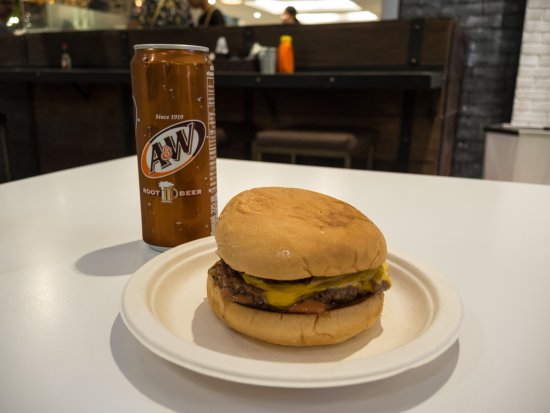 Mexican Chili Burger And A Root Beer Picture Of Jamie S Burger Bangkok Tripadvisor