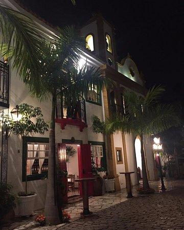 Mogi Mirim, SP: O restaurante é uma réplica perfeita de Paraty.