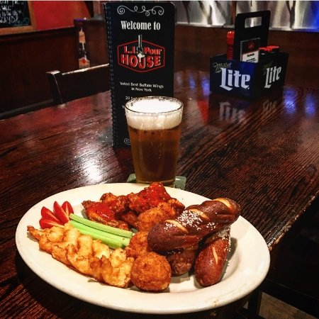 Port Jefferson Station, Estado de Nueva York: Pour House Ultimate Sampler