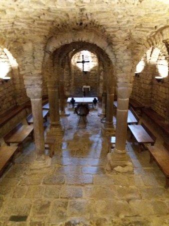 Olius, Spanien: La cripta