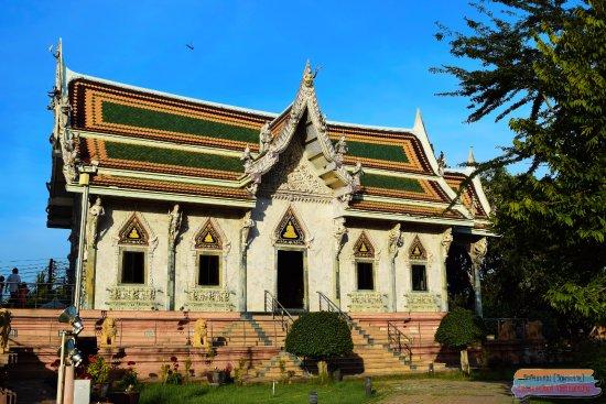 Nakhon Chai Si, Thailand: วัดศีรษะทอง