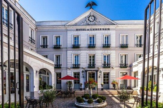 Aigle noir hotel fontainebleau voir les tarifs 372 for Hotel fontainebleau france