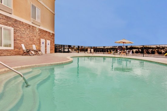 Holiday Inn Express Hotel & Suites Beaumont-Oak Valley: Pool