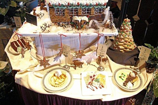 el tovar dining room reviews   El Tovar Dining Room - Holiday Desert Table - December ...