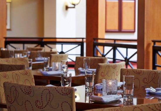 วอร์เรนส์วิลล์ไฮทส์, โอไฮโอ: Restaurant