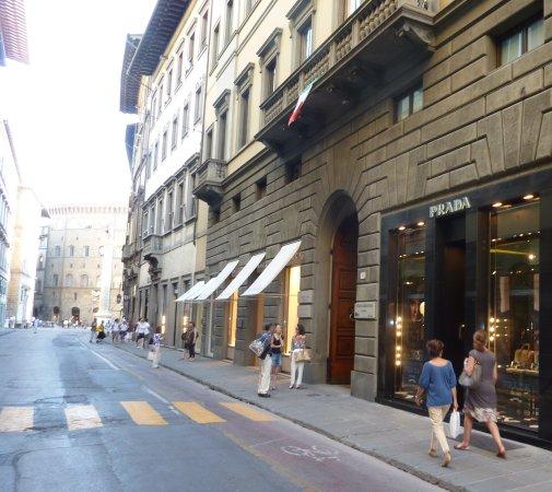 Via de' Tornabuoni: Zona de marcas de lujo